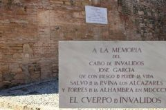 Muro-Alcazaba-homenaje-Jose-Garcia_1393971010_108584488_667x386