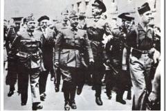 Franco entrando en Burgos