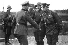 saludo sovieticos y nazis