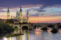1280px-Basilica_of_Our_Lady_of_the_Pillar_and_the_Ebro_River,_Zaragoza